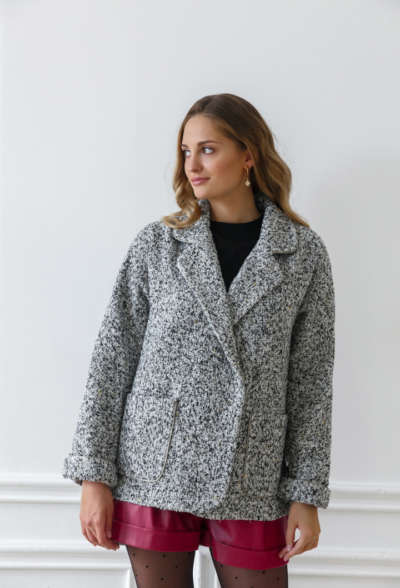 tvidovoe-palto-chernyj